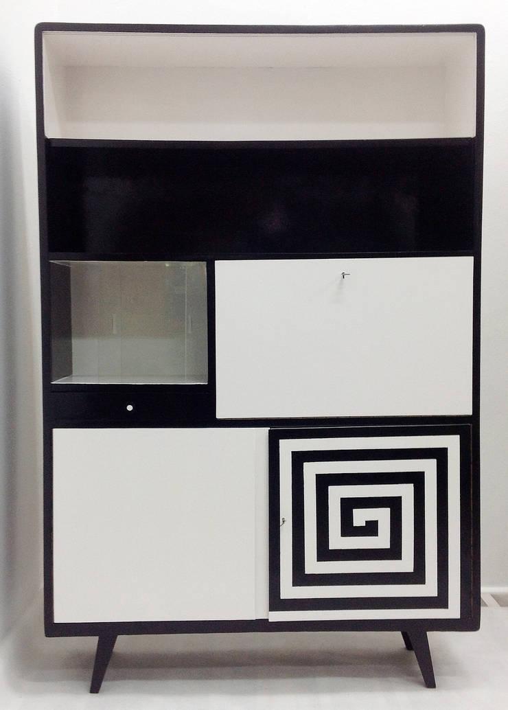 Kredens Black and White: styl , w kategorii Jadalnia zaprojektowany przez Lata 60-te