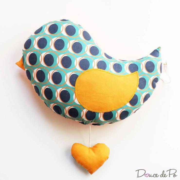 Oiseau musical Spot: Chambre d'enfants de style  par Douce de Po