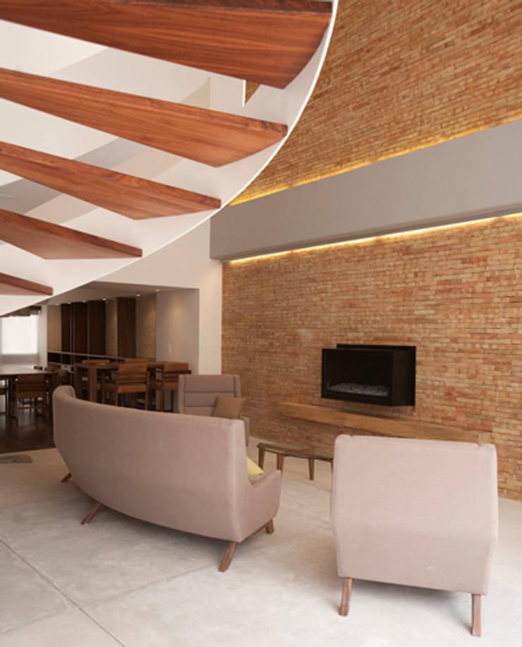 Sala: Salas de estilo  por mob, Moderno