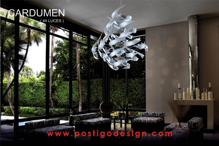 Luminaria Cardumen: Hogar de estilo  por Postigo design