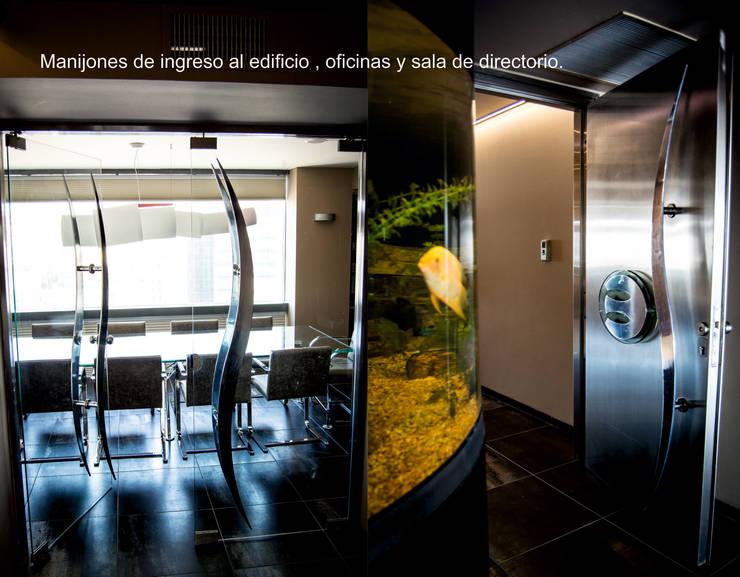 Manijones y Logotipo corporativo: Estudios y oficinas de estilo  por Postigo design