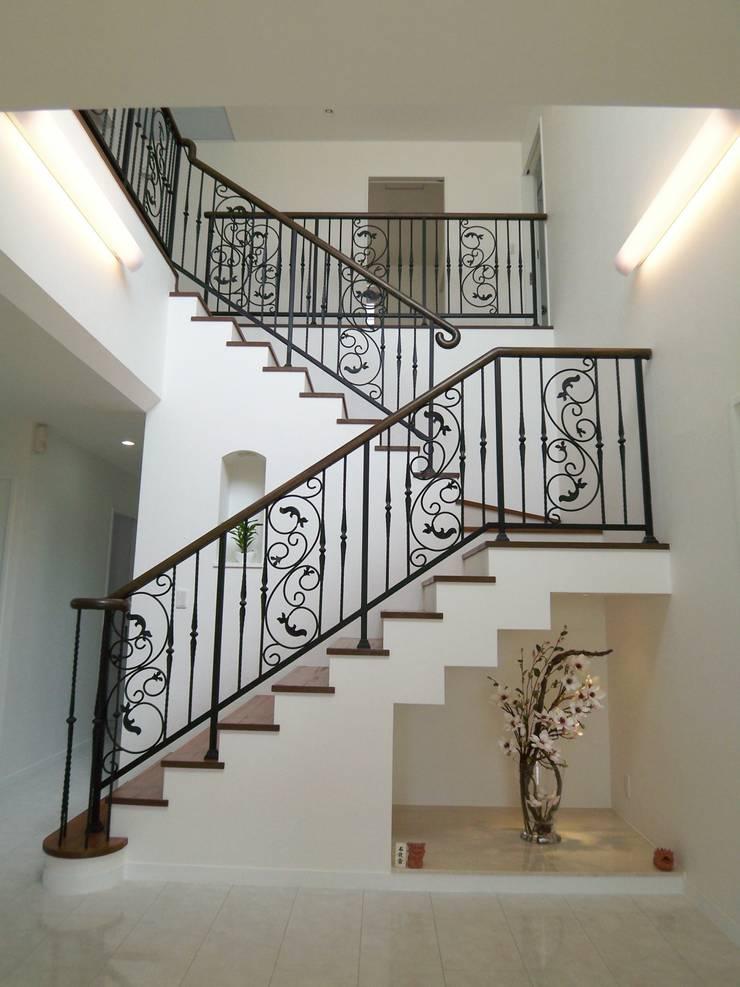 T-house: K・でざいんが手掛けた玄関&廊下&階段です。