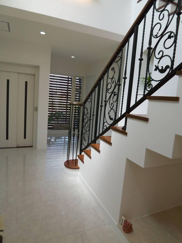 T-house: K・でざいんが手掛けた廊下 & 玄関です。