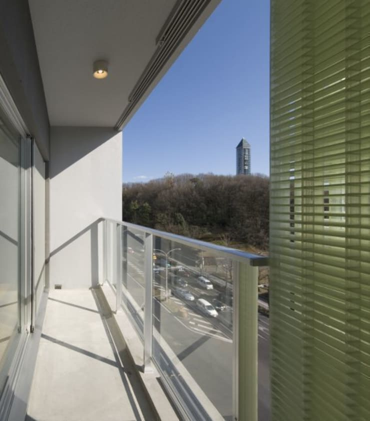 hinata: 笹野空間設計が手掛けたテラス・ベランダです。
