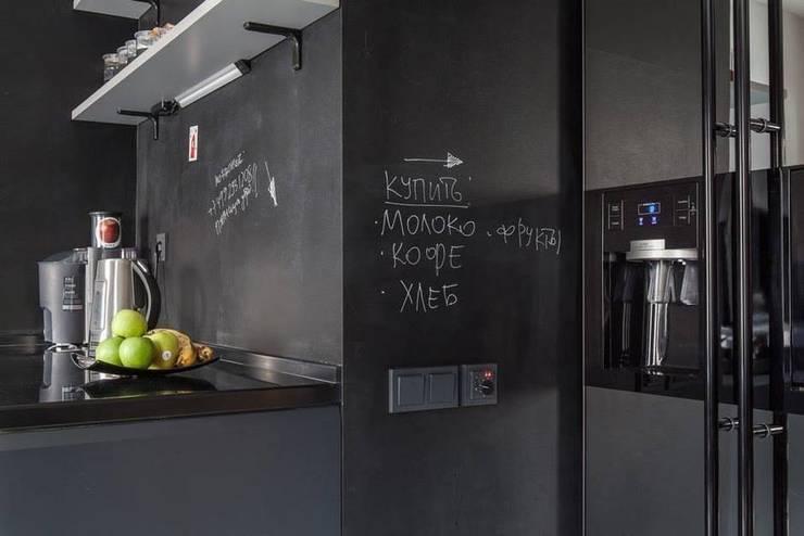Кухонный фартук для записей на нем мелом: Кухни в . Автор – IdeasMarket