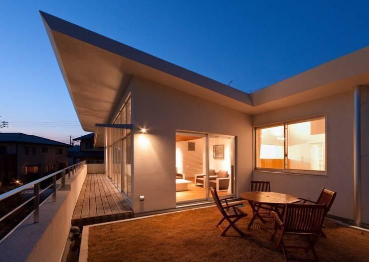 玉野台の家: 笹野空間設計が手掛けたベランダです。