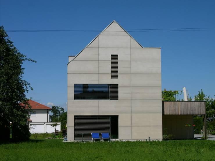 pasifa häuser güttingen schweiz:  Häuser von airarchitekten ag