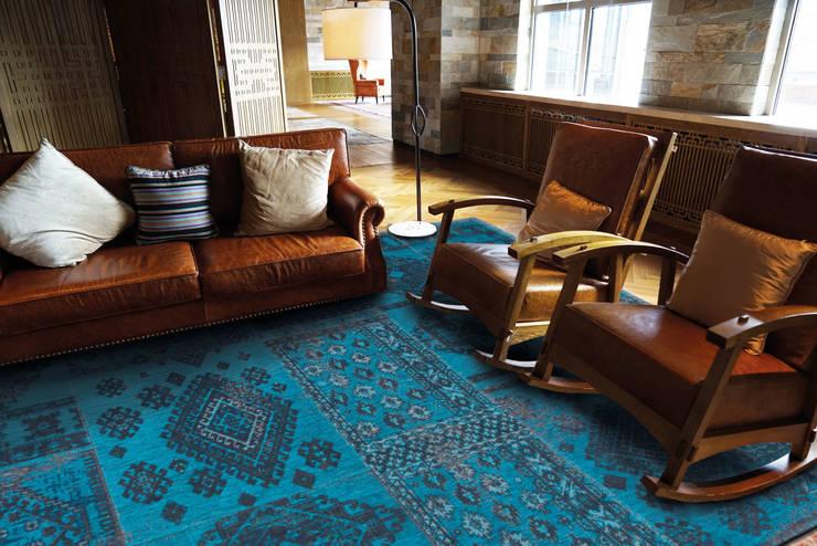 Blue Lagoon Interior:  Muren & vloeren door louis de poortere