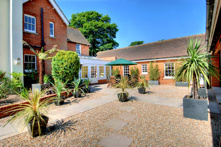 Bossington House, Adisham Kent: country Garden by Lee Evans Partnership
