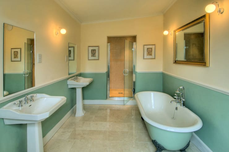 Bossington House, Adisham Kent: country Bathroom by Lee Evans Partnership