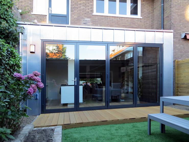 Rumah oleh De Ontwerpdivisie, Modern