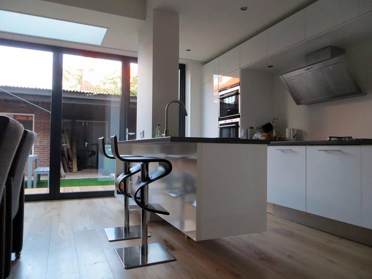 Ruang Makan oleh De Ontwerpdivisie, Modern
