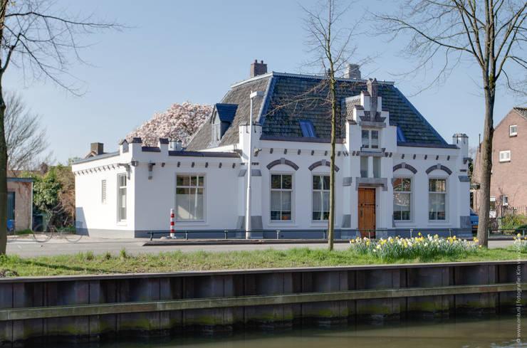 Restauratie en verbouw van voormalig Gemeentehuis Oudenrijn, De Meern:  Huizen door op ten noort blijdenstein architecten