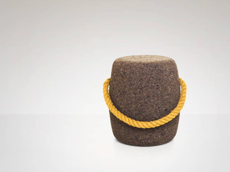 PIPO Stool or side table -  Avid Yellow: Casa  por DAM