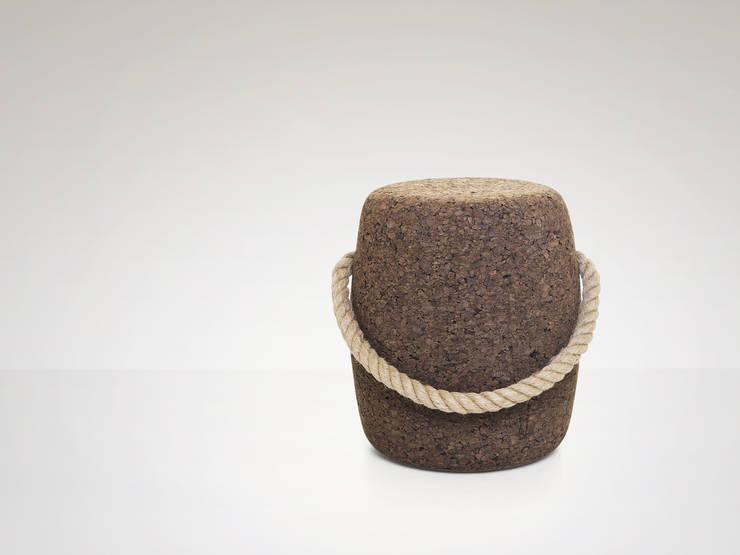 PIPO Stool or side table - Standard: Casa  por DAM
