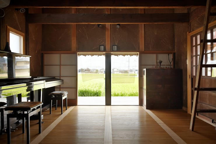 ホリナンの家: 平野建築設計室が手掛けた和室です。