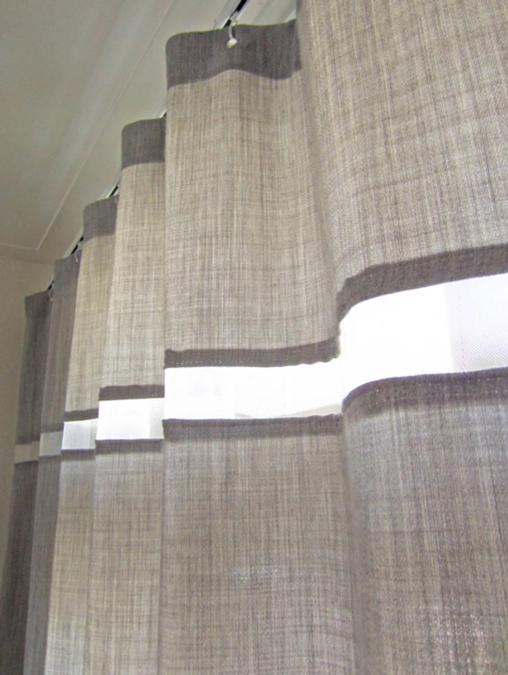 'Lichte Wol' gordijn by Kimik Design:  Ramen & deuren door kimik design