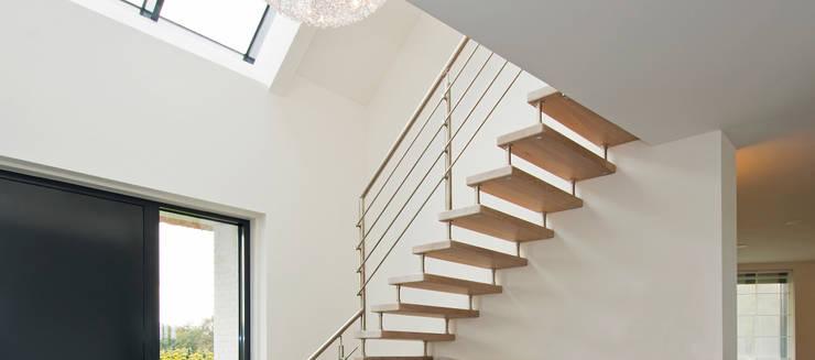 Flur & Diele von Building Design Architectuur