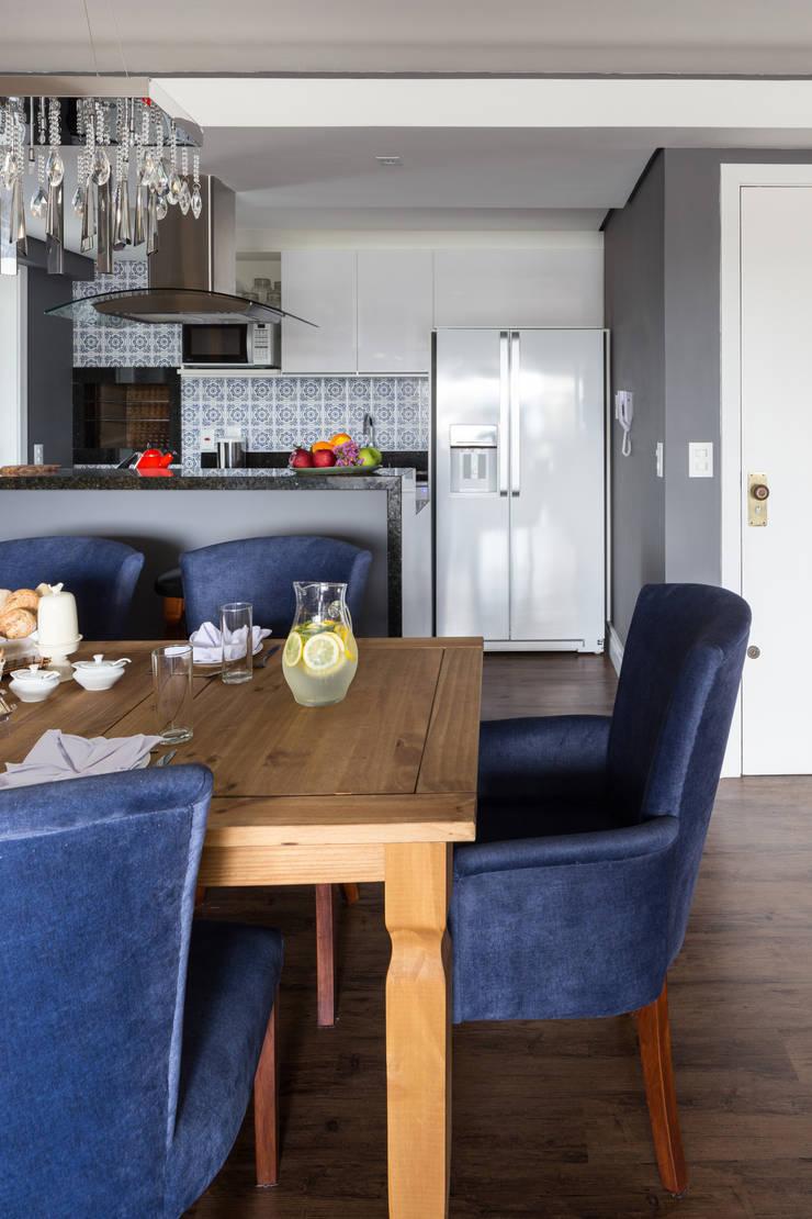 Sala de Jantar: Salas de jantar  por Juliana Damasio Arquitetura