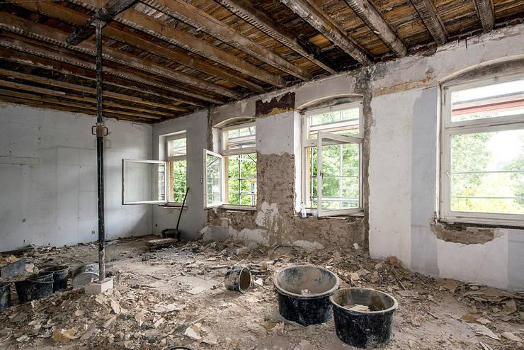Sanierung Mehrfamilienhaus Düsseldorf/Derendorf:  Häuser von Maria Stahl Architekten