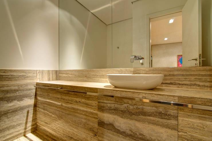 Residência VG Banheiros modernos por ÓBVIO: escritório de arquitetura Moderno
