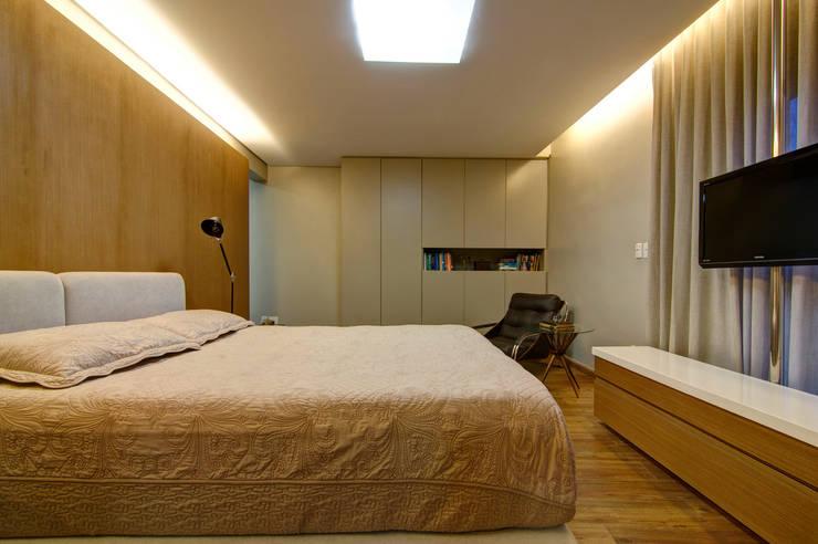 Residência VG Quartos modernos por ÓBVIO: escritório de arquitetura Moderno