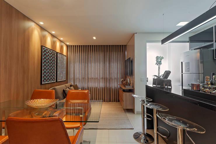 Apartamento MD: Salas de jantar modernas por ÓBVIO: escritório de arquitetura