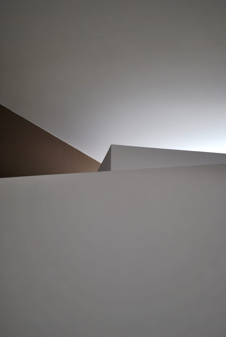 Walls by Salvatore Nigrelli Architetto