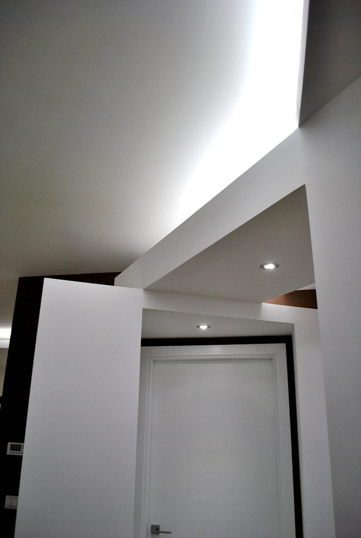 Corridor & hallway by Salvatore Nigrelli Architetto