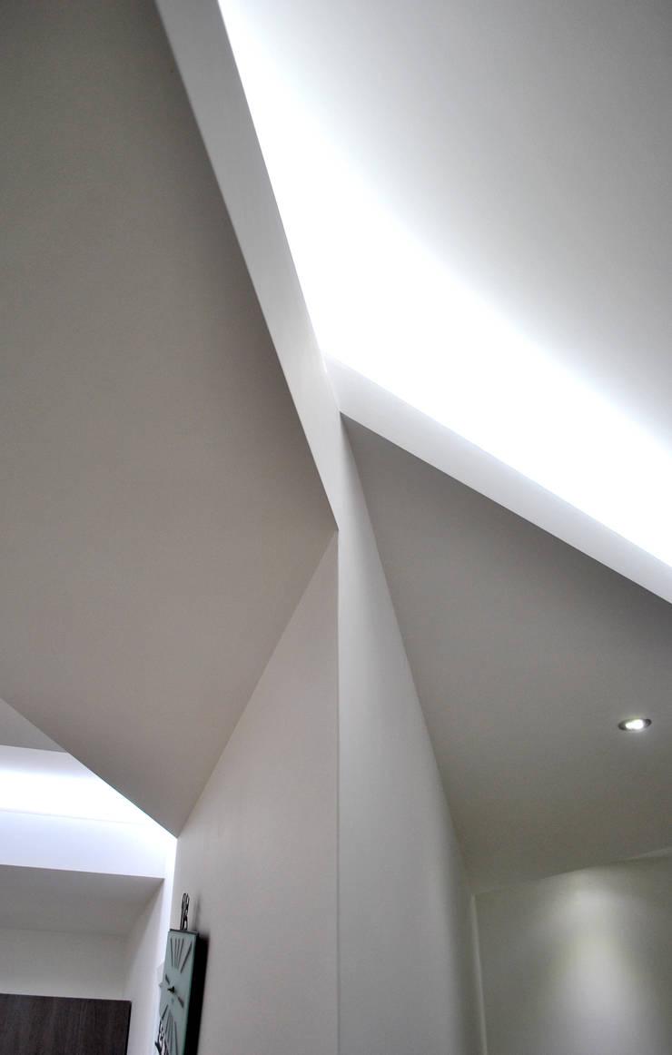 Media room by Salvatore Nigrelli Architetto