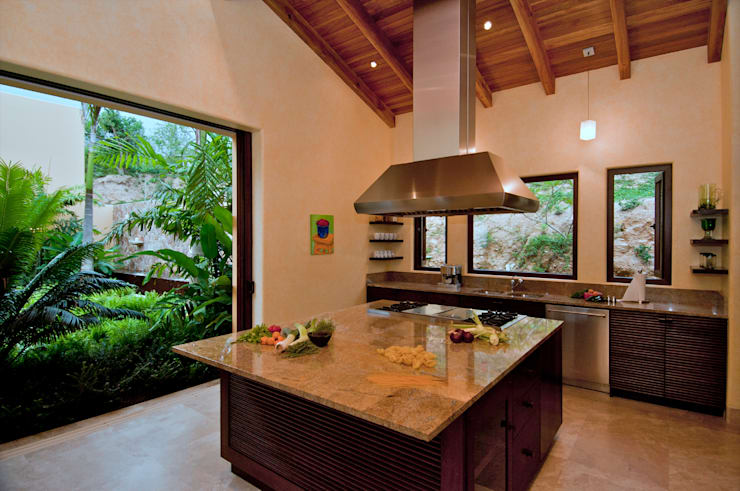 tropical Kitchen by BR  ARQUITECTOS