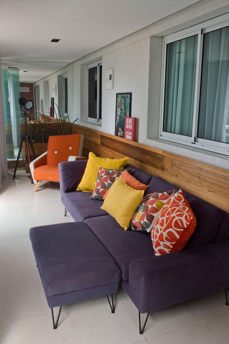 Apartamento de cara nova!: Terraços  por Lote 21 Arquitetura e Interiores