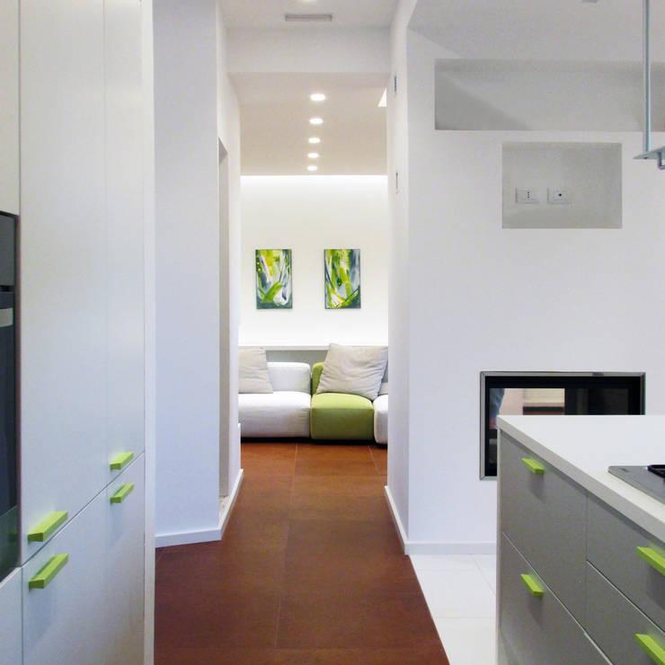 RISTRUTTURAZIONE GC7: Cucina in stile  di Studio Proarch