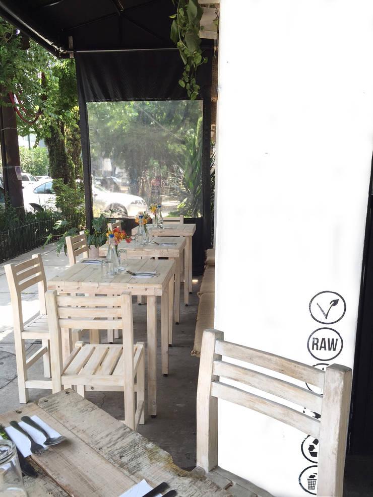 Restaurantes : Restaurantes de estilo  por Biogibson