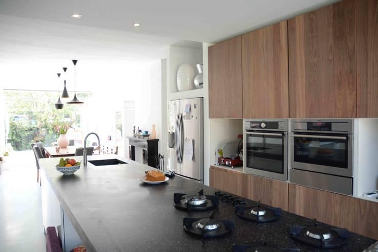 keuken:  Keuken door TIEN+ architecten