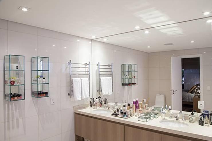Apto. Vila Nova: Banheiro  por Maria Teresa Rodrigues Alves