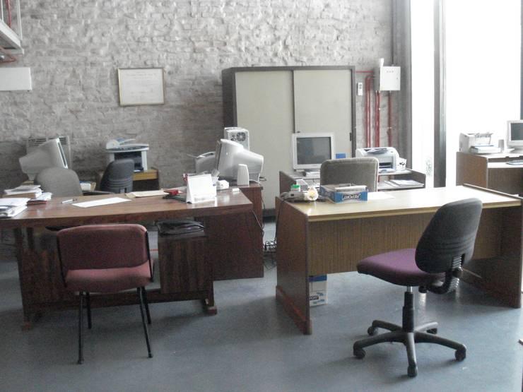 oficina general: Estudios y oficinas de estilo moderno por CRISTINA FORNO