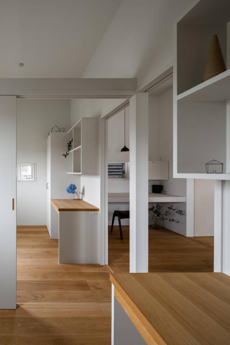 奈坪の家 / House in Natsubo オリジナルデザインの 子供部屋 の 水野純也建築設計事務所 オリジナル
