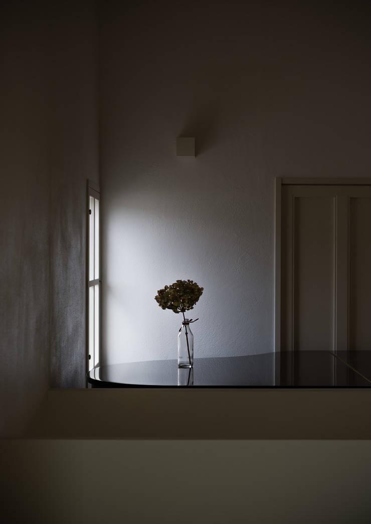 奈坪の家 / House in Natsubo: 水野純也建築設計事務所が手掛けた窓です。