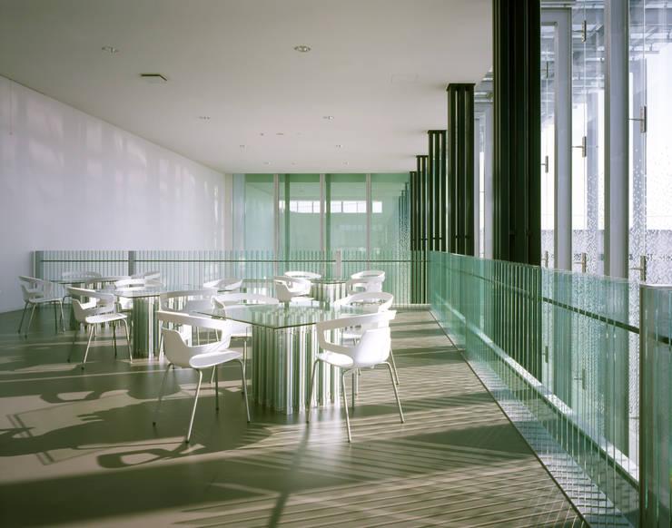 SANSHIBA Glass factory: MOAが手掛けた多目的室です。
