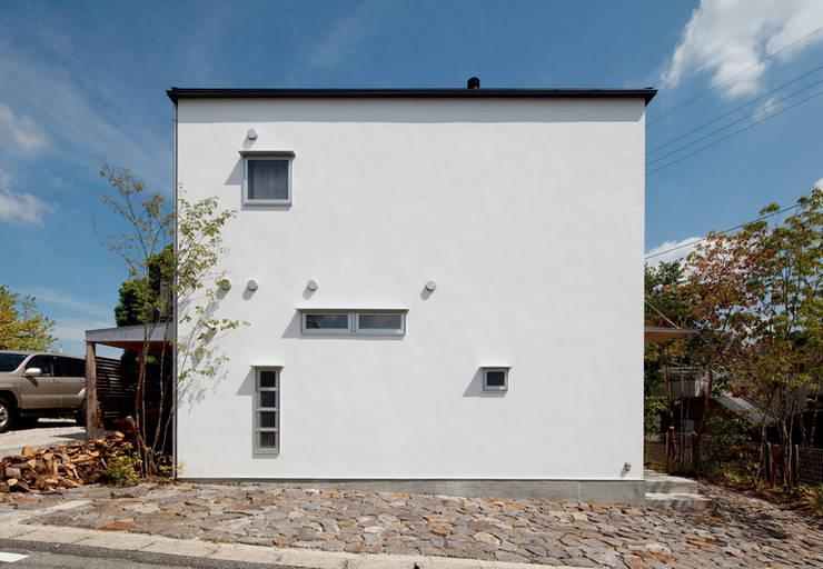 八幡山の家: ㈲矢田義典建築設計事務所が手掛けた家です。
