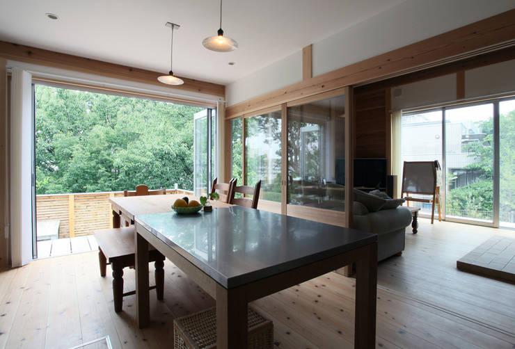 八幡山の家: ㈲矢田義典建築設計事務所が手掛けたダイニングです。