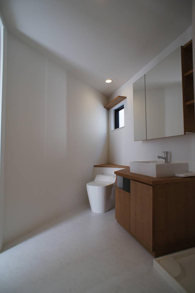Salle de bains de style  par 一級建築士事務所A-SA工房,