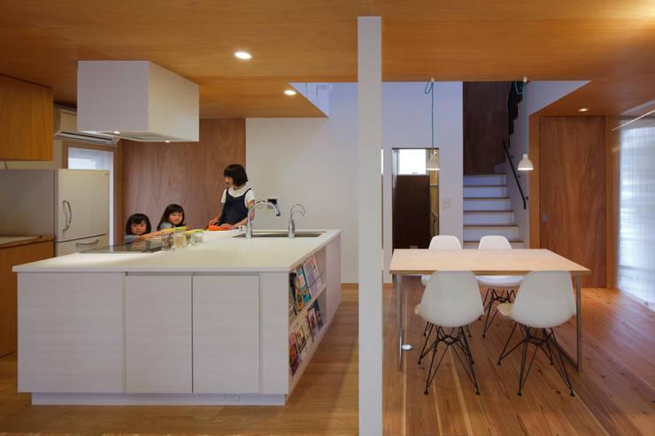 大浜の家: ㈲矢田義典建築設計事務所が手掛けたキッチンです。