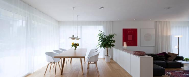 Salas de jantar  por KitzlingerHaus GmbH & Co. KG