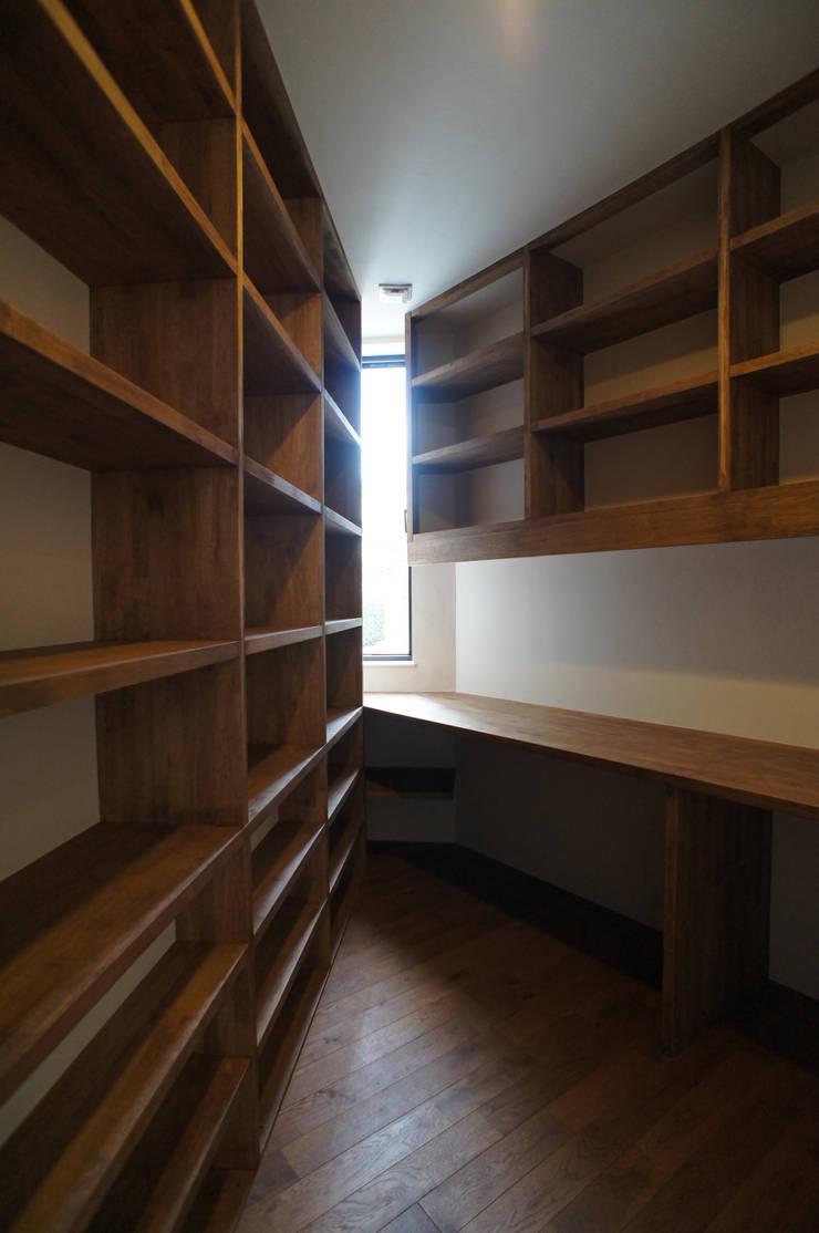 Bureau de style  par 一級建築士事務所A-SA工房,