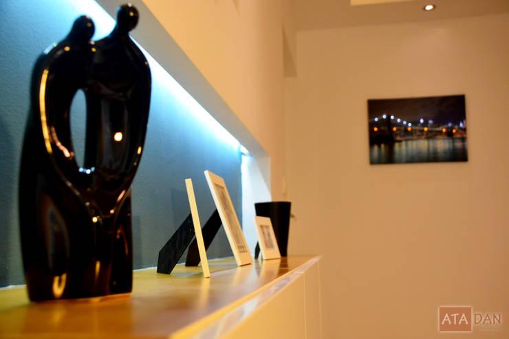 ROAS Mimarlık – Konsol Detayı - Salon:  tarz Oturma Odası