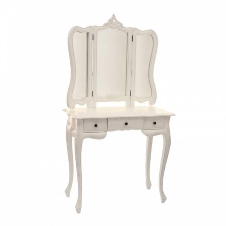 Столик для макияжа: Спальная комната  в . Автор – HOME VISION