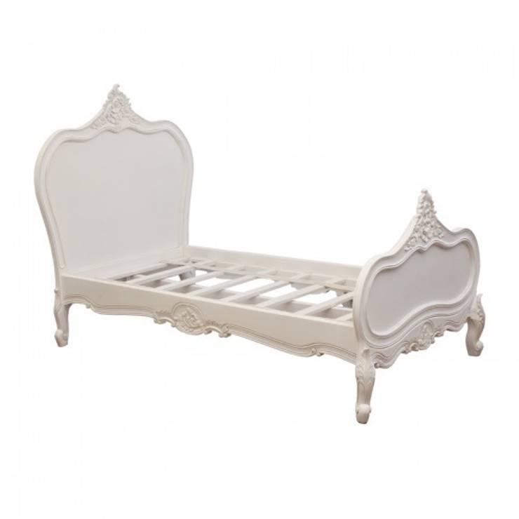 Кровать : Спальная комната  в . Автор – HOME VISION