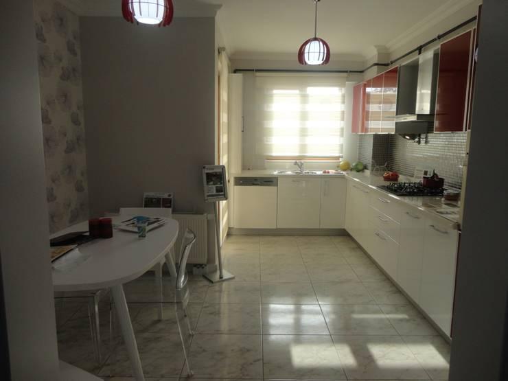 Vizyon Mimarlık ve Dekorasyon – D.İNŞAAT / ÖRNEK DAİRE:  tarz Mutfak